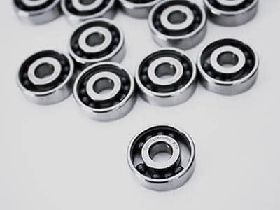 Batch of single ceramic bearings in the making