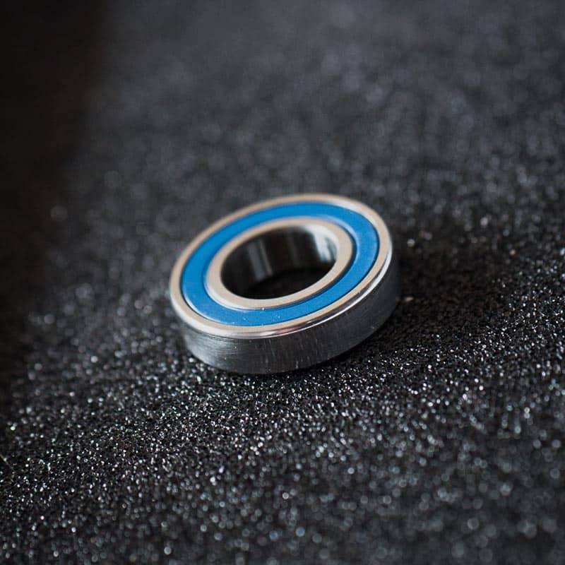 Single bearings